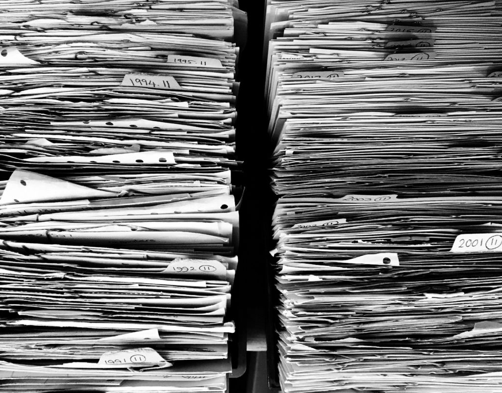 Documents privés (Image par Ag Ku de Pixabay )